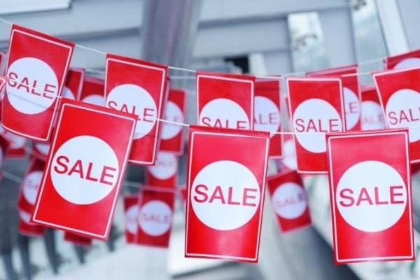 Ξεκινούν σήμερα οι εκπτώσεις: Ποιες Κυριακές θα είναι ανοικτά τα μαγαζιά;