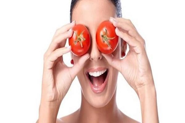 Κορίτσια πρέπει να την δοκιμάσετε! - Η σπιτική μάσκα προσώπου από ντομάτα που κάνει θραύση!