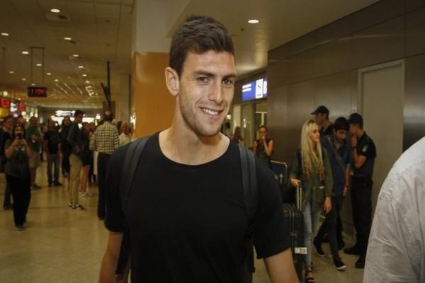 ΑΕΚ: Στην Αθήνα έφτασε ο Λούκας Μπογέ!