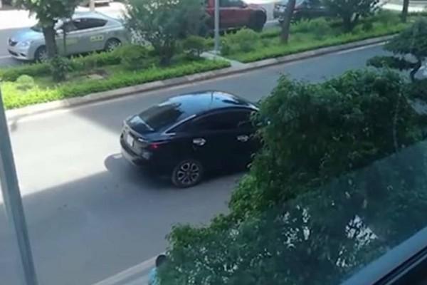 Το σωστό παρκάρισμα θέλει μαεστρία! - Τι γίνεται όταν κάποιος... δεν το έχει; (Video)