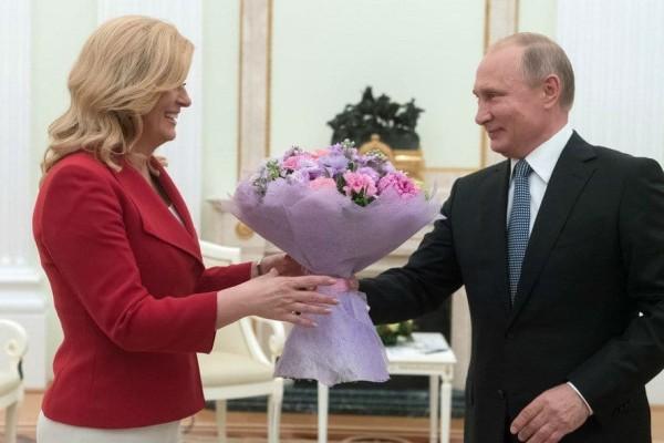 Φανερά γοητευμένος ο Πούτιν από την Πρόεδρο της Κροατίας! (photos)