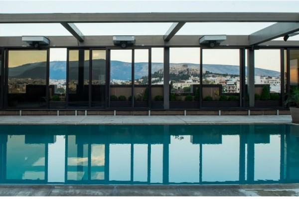 ACRO Pool Side το καλοκαιρινό all-day spot στο κέντρο της Αθήνας!