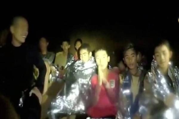Αγωνία στην Ταϊλάνδη: Αγώνας δρόμου να προλάβουν τη διάσωση των 12 αγοριών!