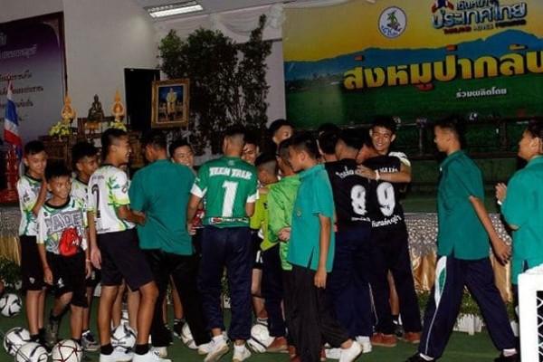 Ταϊλάνδη: Τα παιδιά μιλούν για το θαύμα της διάσωσής τους -