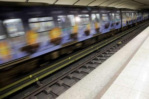 Στάση εργασίας στο Μετρό!