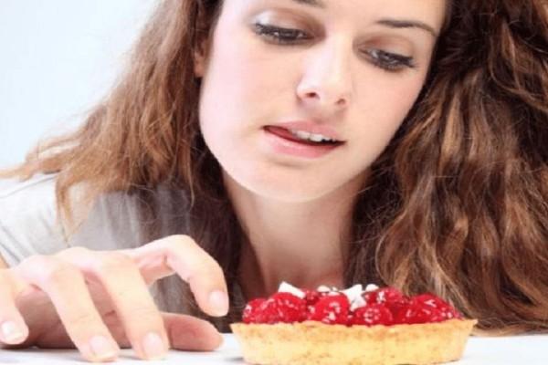 Θέλεις γλυκό και δε θέλεις θερμίδες; Αυτές είναι οι 8 πιο light επιλογές!
