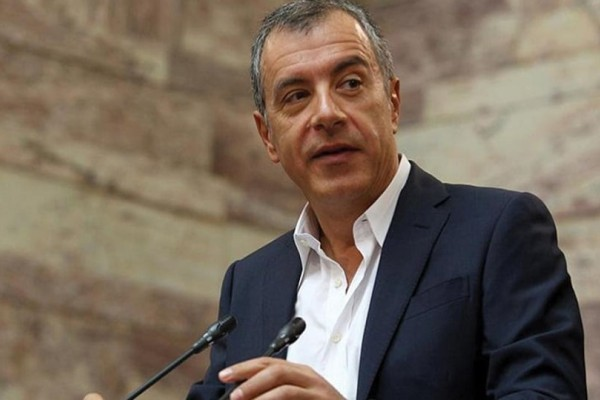 Αποχωρεί από το Κίνημα Αλλαγής ο Θεοδωράκης;