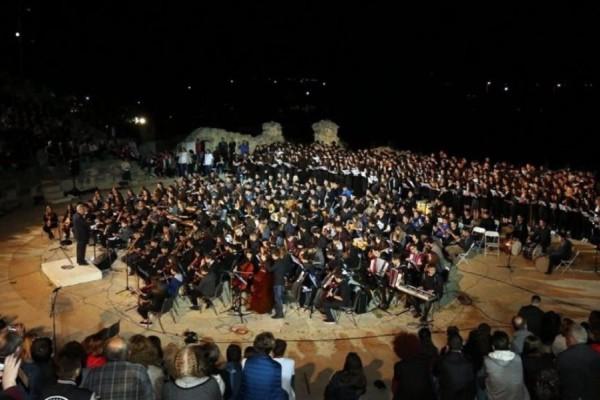 Σάλος στην Καβάλα: 70χρονη έφτυσε μαέστρο επειδή ήθελε να ακούσει Έλληνες συνθέτες και όχι Μπαχ!