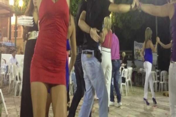 Τρέλανε όλο το πανηγύρι: Ο προκλητικός χορός της κοπέλας που προκάλεσε