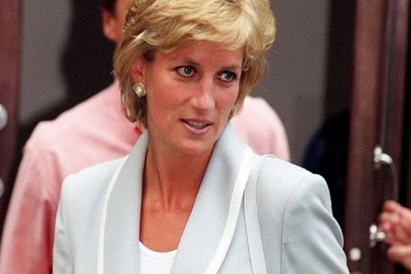 Κάνουν θραύση: Τα γυαλιά που φόρεσε η Πριγκίπισσα Diana πριν από 30 χρόνια έχουν γίνει must!