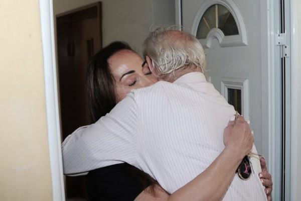 Στην αγκαλιά της Βίκυς Σταμάτη ο Ακης Τσοχατζόπουλος! (Photos)