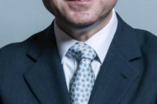 Παραίτηση υφυπουργού εξαιτίας...ροζ σκανδάλου!