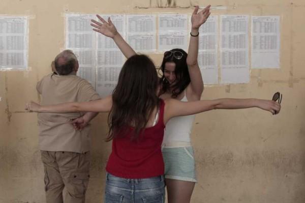 Πανελλαδικές Εξετάσεις 2018: Ασανσέρ οι βάσεις! Ποιες σχολές θα σημειώσουν άνοδο;