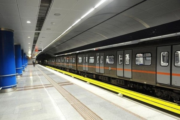 Στάση εργασίας και στο Μετρό!