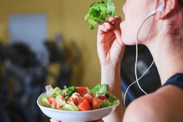 Τι πρέπει να φας μετά την άσκηση για να δεις γρήγορα αποτελέσματα στο σώμα σου!