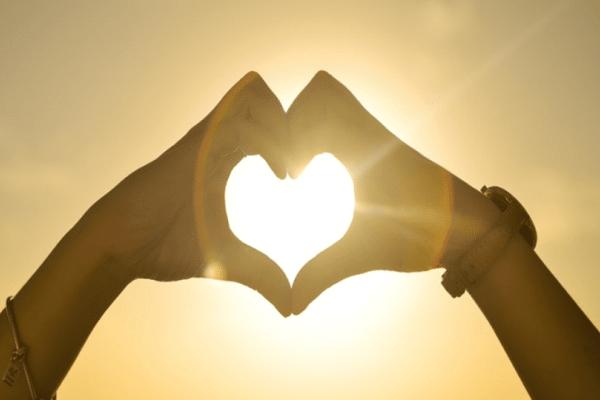 Καλοκαιρινοί έρωτες! 13 τραγούδια που μιλούν στην καρδιά σου!