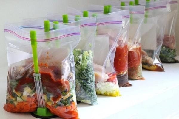 Θα εκπλαγείς: 7 απίστευτα πράγματα που μπορείτε να κάνετε με μια σακούλα τροφίμων!
