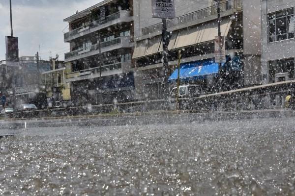 Ισχυρή καταιγίδα ξέσπασε στην Αττική! - Έντονα καιρικά φαινόμενα και χαλαζοπτώσεις!