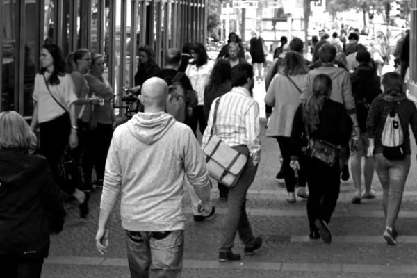 Σε έναν χρόνο ο πληθυσμός της Ελλάδας μειώθηκε κατά 30.000!