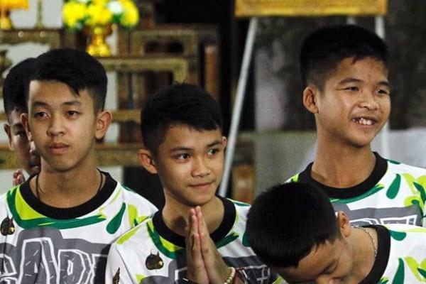 Ταϊλάνδη: Βουδιστές μοναχοί θα χειροτονηθούν τα παιδιά στη μνήμη του δύτη