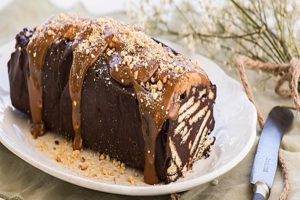 Κορμός λουκουμένιος με 2 σοκολάτες!