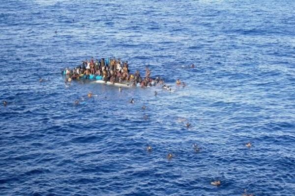 Υγρός τάφος η Μεσόγειος για πάνω από 600 μετανάστες!