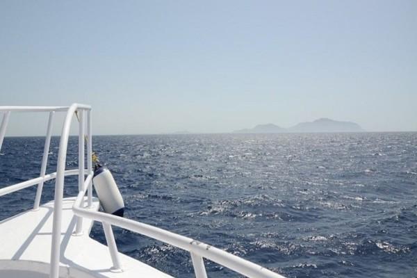Απίστευτο κι όμως αληθινό: Ο «αφηρημένος» επιβάτης που έφυγε και άφησε αναμμένο το δίκυκλό του έξω από το καράβι!