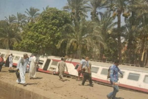 Αίγυπτος: 55 τραυματίες από τον εκτροχιασμό τρένου