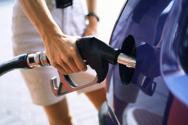Στα «ύψη» η τιμή της βενζίνης - Σε ποιες περιοχές ξεπέρασε τα 2 ευρώ το λίτρο;