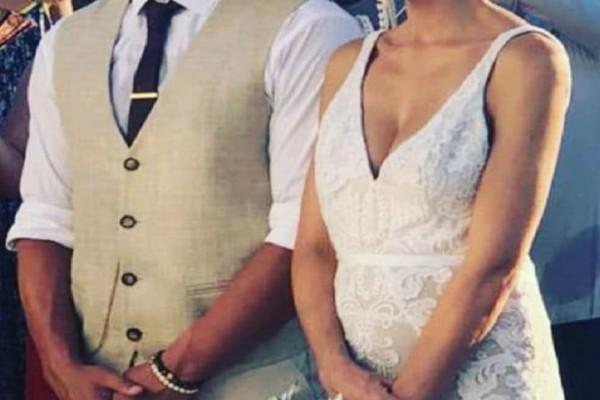 Πασίγνωστο ζευγάρι της ελληνικής showbiz παντρεύτηκε και δεν το πήρε κανείς χαμπάρι!