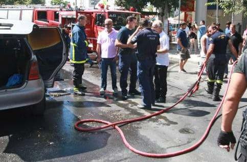 Αυτοκίνητο πήρε φωτιά εν κινήσει στη μέση της Κηφισίας