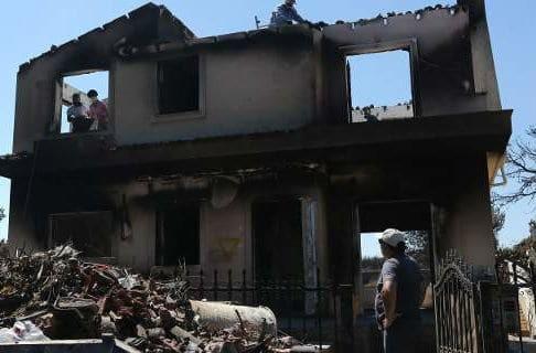 Βρετανοί εμπειρογνώμονες στην Αθήνα μετά τις καταστροφικές πυρκαγιές