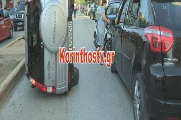 Κόρινθος: Αυτοκίνητο τούμπαρε στη μέση του δρόμου! (Video)