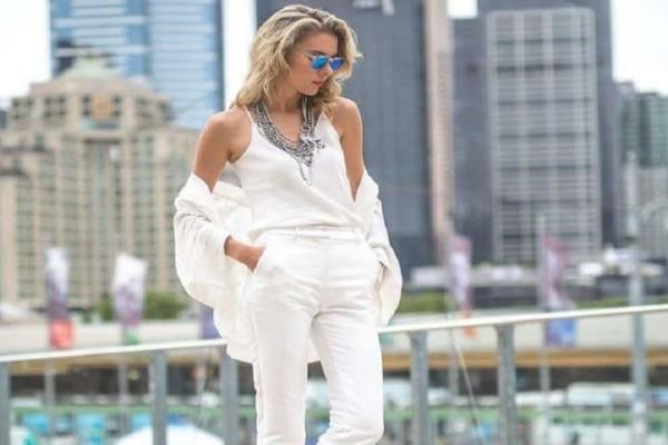 H μονοχρωμία είναι η νέα τάση! - Πώς θα φορέσεις σωστά το λευκό παντελόνι!