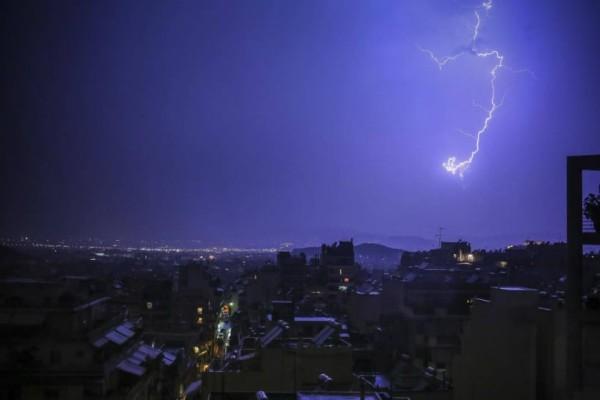 Καιρός: Δεκαπενταύγουστος με βροχές, καταιγίδες και χαλαζοπτώσεις!