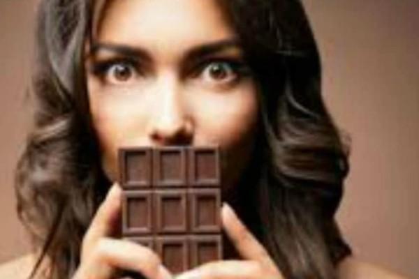 Πεθαίνεις για σοκολάτα αλλά είσαι σε... δίαιτα; Οι 4+1 λόγοι που πρέπει να φας αμέσως!