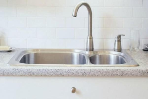 Πώς να καθαρίσεις τον νεροχύτη από τα άλατα με οικολογικό τρόπο! (video)