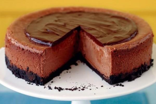 Σοκολατένιο cheesecake χωρίς ψήσιμο