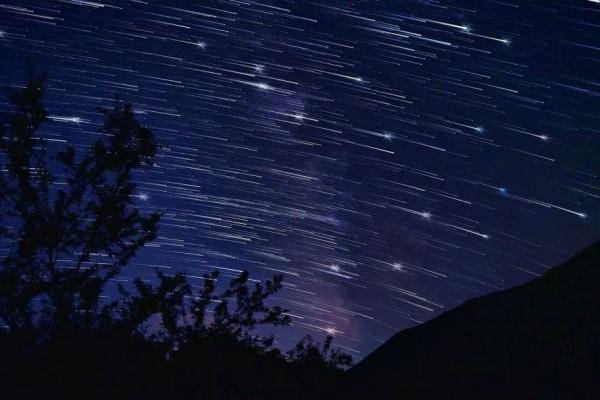 Θεαματική «βροχή» αστεριών απόψε το βράδυ!