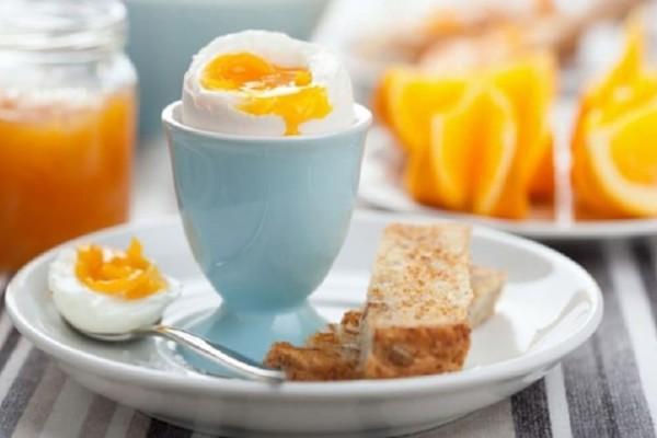 Πώς βοηθούν τον εγκέφαλο τα αυγά που τρώμε το πρωί; - Ένας λόγος για να τα εντάξεις στο πρωινό σου!