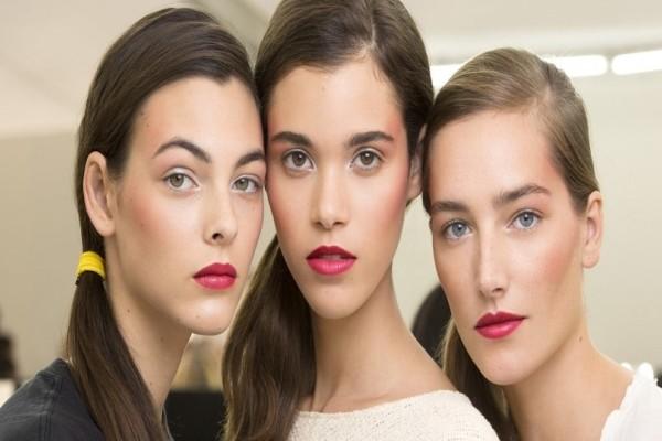Φοράς τη σωστή απόχρωση ρουζ; - Το απόλυτο μυστικό για εντυπωσιακές εμφανίσεις!