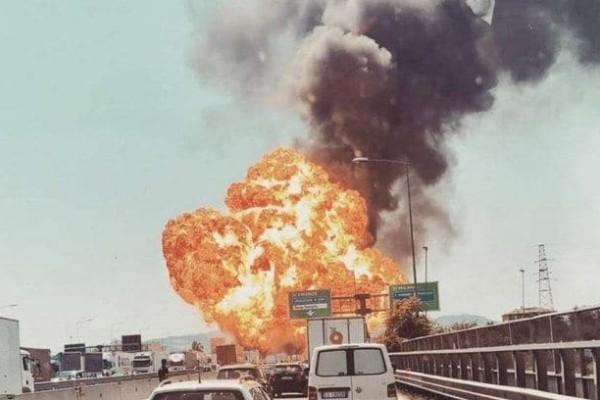 Έκρηξη κοντά στο αεροδρόμιο της Μπολόνια (video)