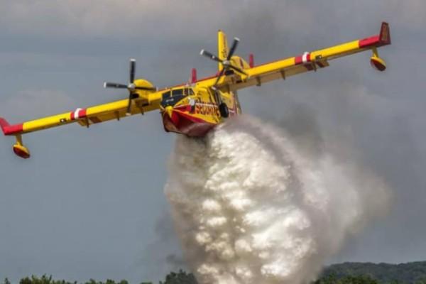 Πυρκαγιά στο Κορωπί: Δύο αεροσκάφη και δύο ελικόπτερα επιχειρούν στο σημείο!