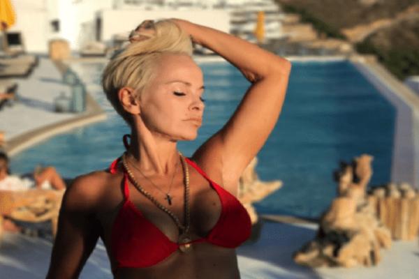 Το τόλμησε η Νατάσα Καλογρίδη: Φωτογραφίζεται γυμνή και μοιράζει εγκεφαλικά!