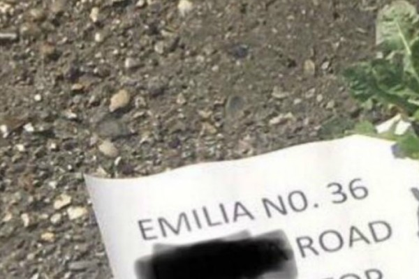 Έστειλε επιστολή στην γειτόνισσα, ζητώντας της να μην κοιμάται πια με τον άντρα της (Photo)