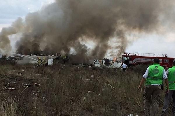 Βίντεο σοκ: Η στιγμή της συντριβής του αεροσκάφους στο Μεξικό!
