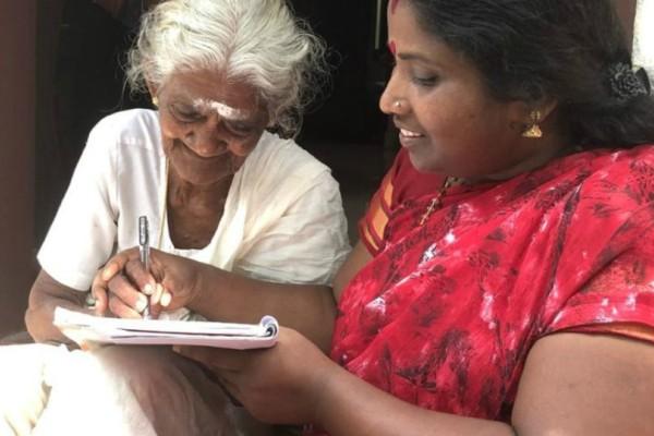 96χρονη μαθήτρια έδωσε τις πρώτες της εξετάσεις και πέρασε (video)