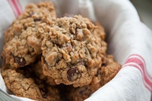 Μπισκότα με βρώμη και σοκολάτα!