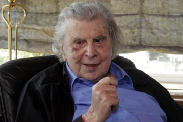 Παραμένει στο νοσοκομείο ο Μίκης Θεοδωράκης! Ποια η κατάσταση της υγείας του;