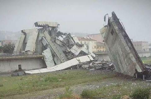 Οι κραυγές ενός ανθρώπου την ώρα που καταρρέει η γέφυρα στην Γένοβα!